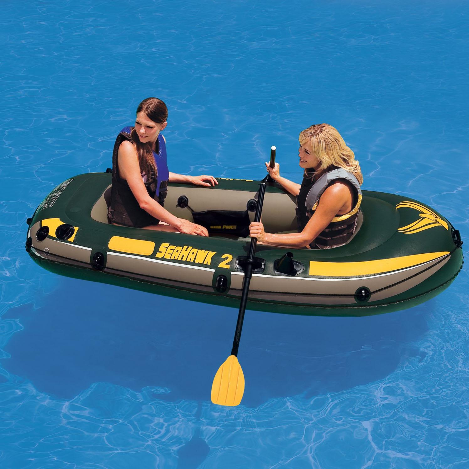 лодка с двумя